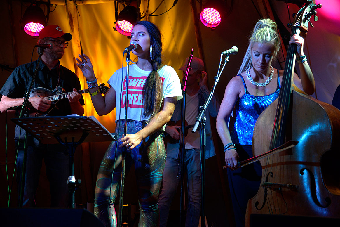 Maxida Märak with Kajsa Kjellgren Westin & Downhill Bluegrass Band Concert Bjurfors Konferens & Hotel