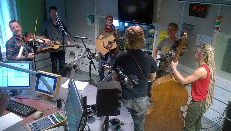 P4 Live Gävleborg with Larry Forsberg and Downhill Bluegrass Band